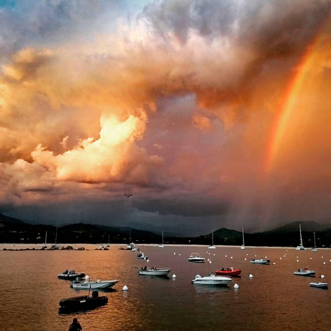 Regenbogen vor dem Sturm