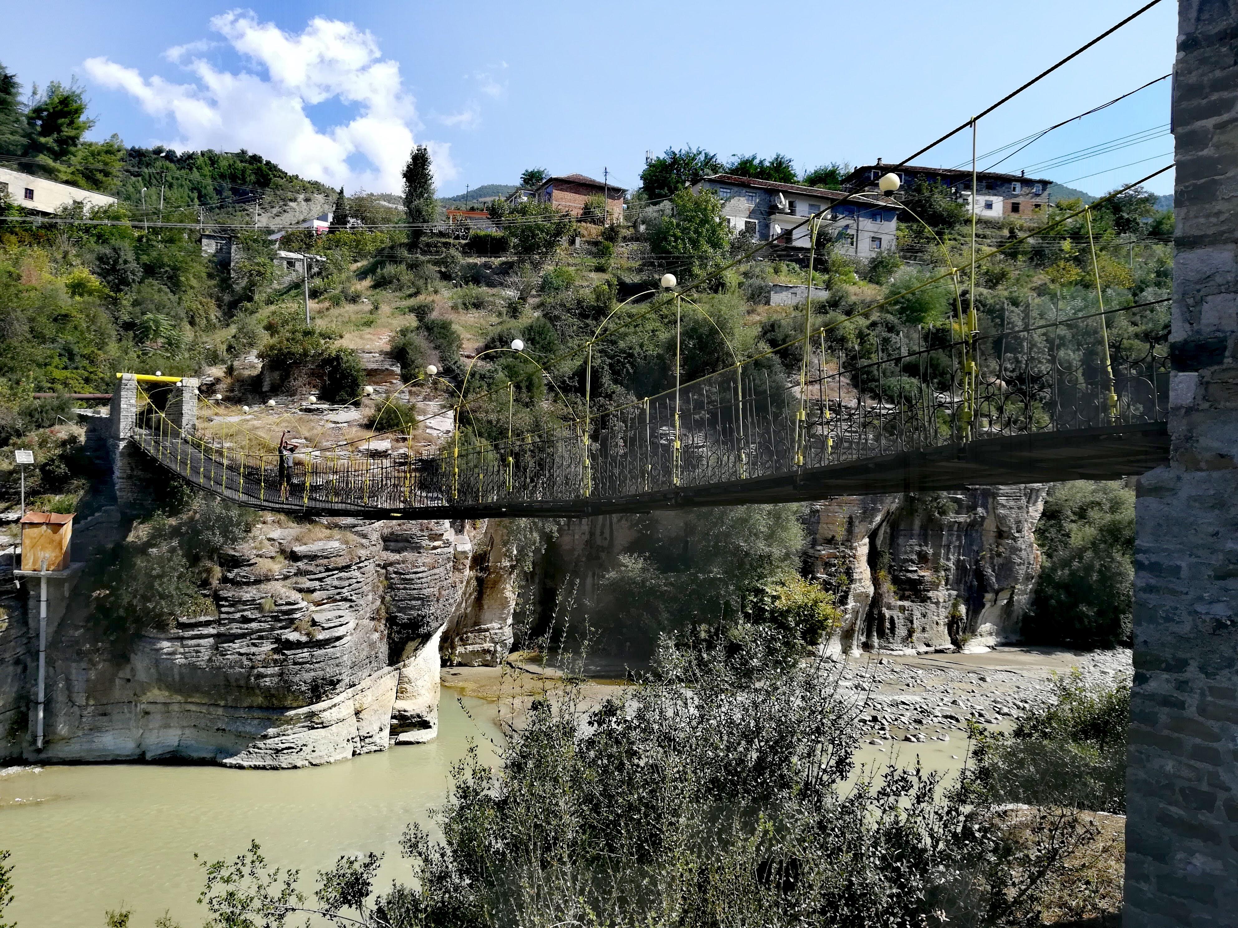 Hängebrücke Albanien