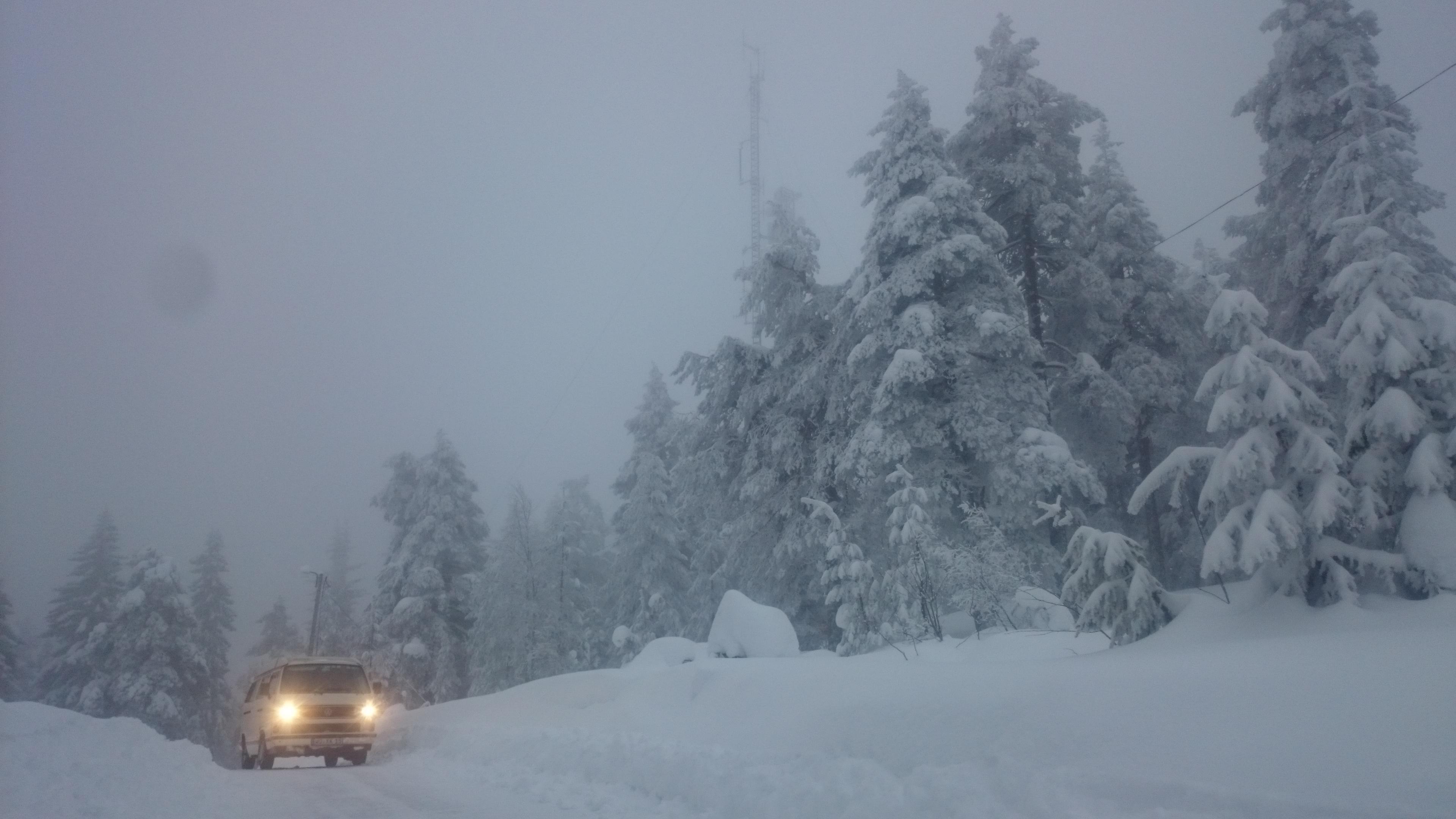 VW T3 im Schnee in Schweden