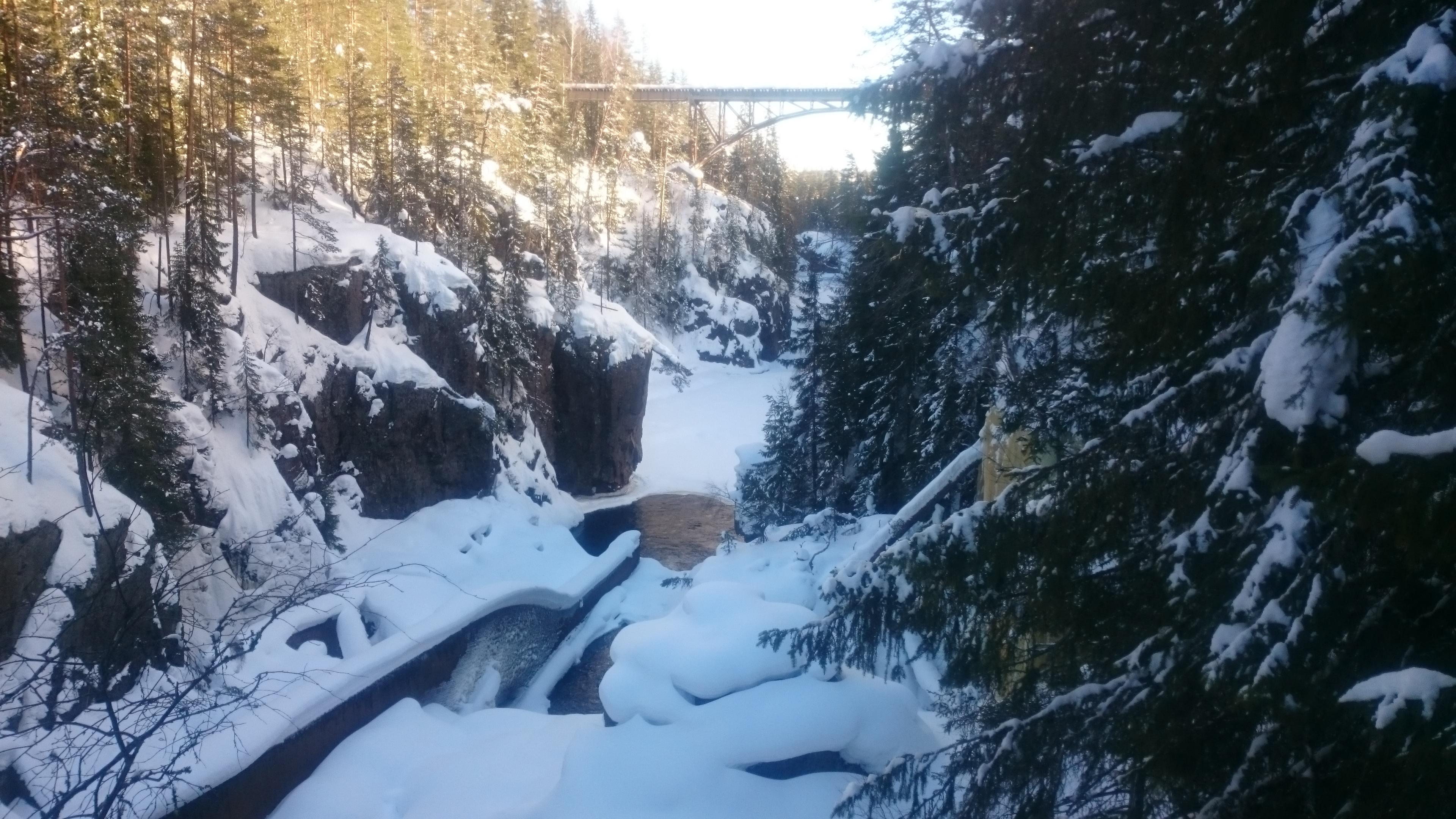Storstupet Wasserfall im Winter