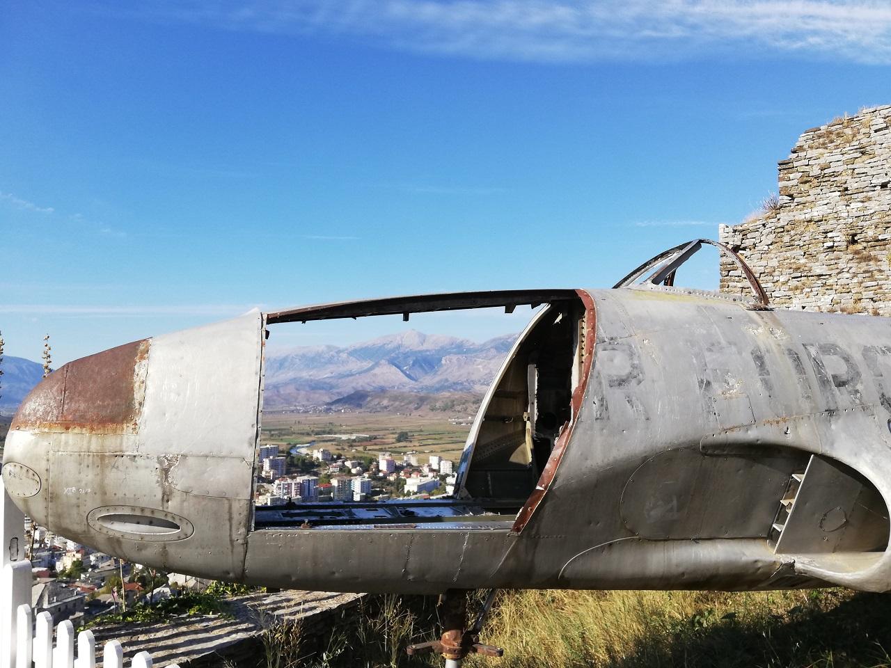 Flugzeug Gjirokaster