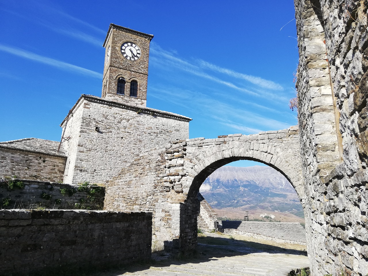 Uhrenturm Gjirokastra