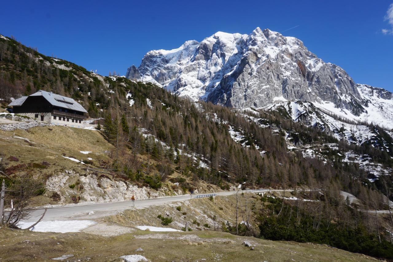 Vršičpass Berghütte Tičarjev Dom