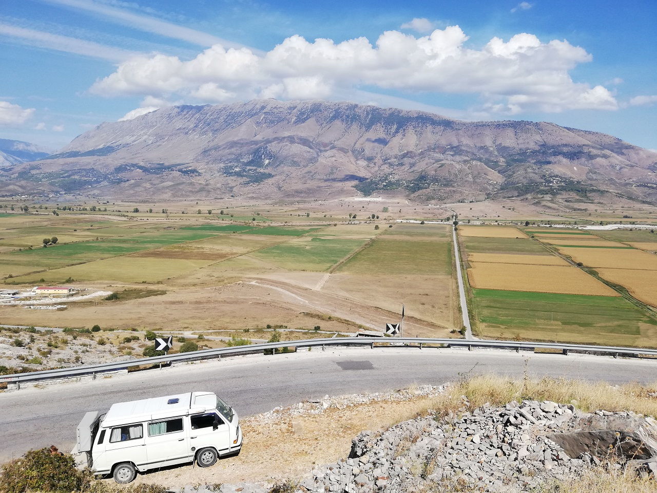 Straße von Ksmail nach Gjirokastra