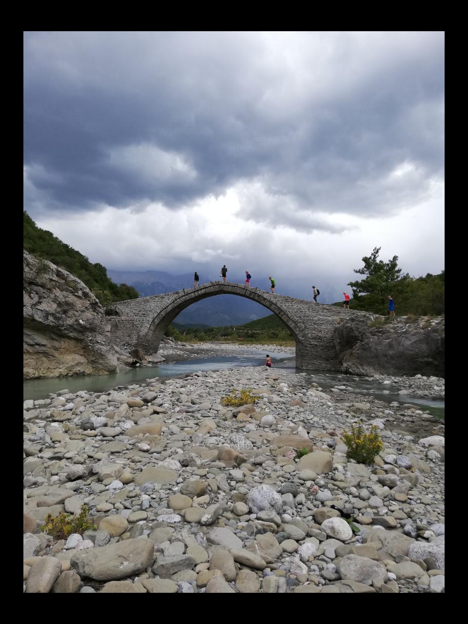 Osmanische Steinbrücke Lengarica Canyon
