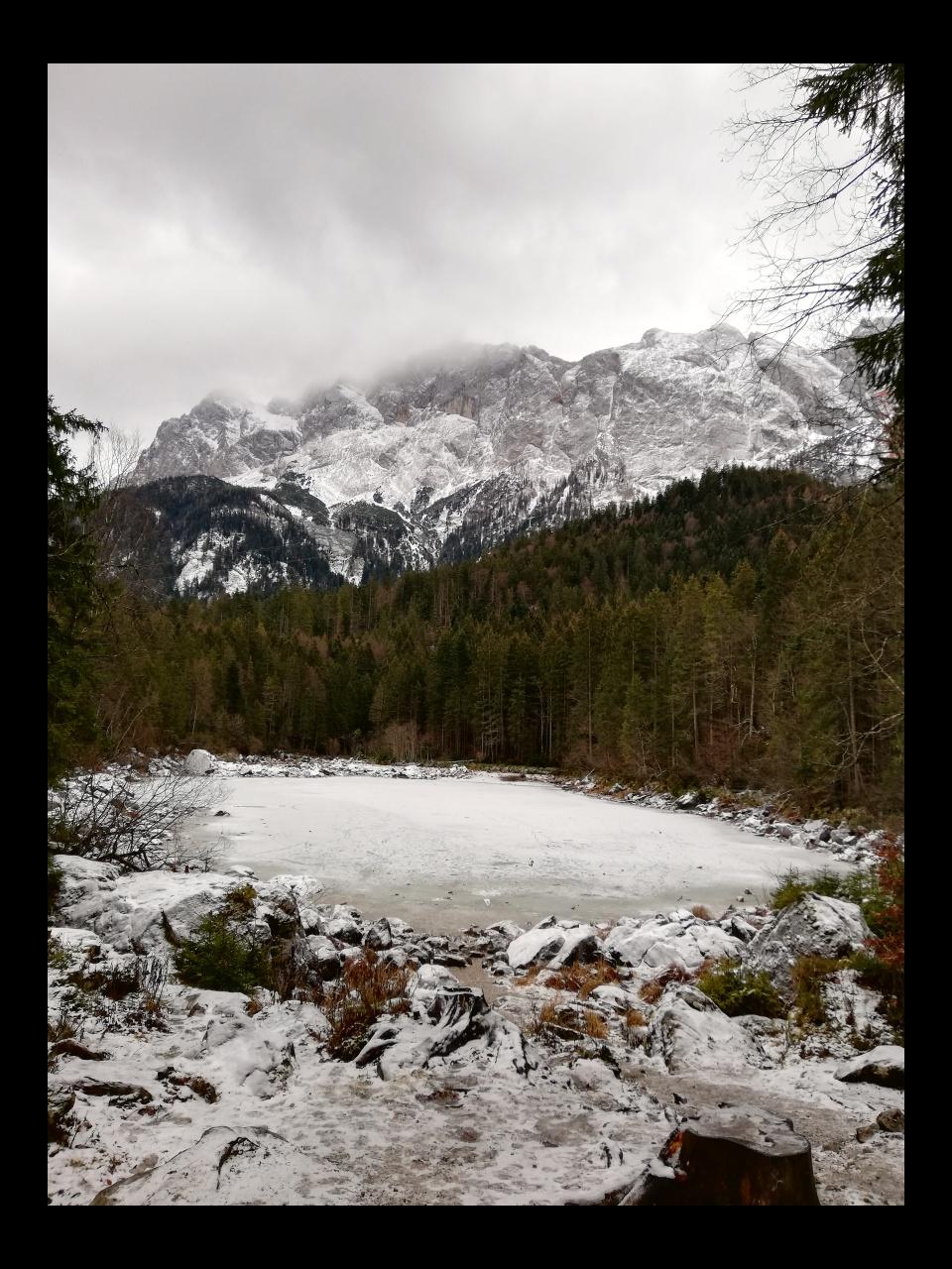 Frillensee Zugspitze Eibsee Winter gefroren
