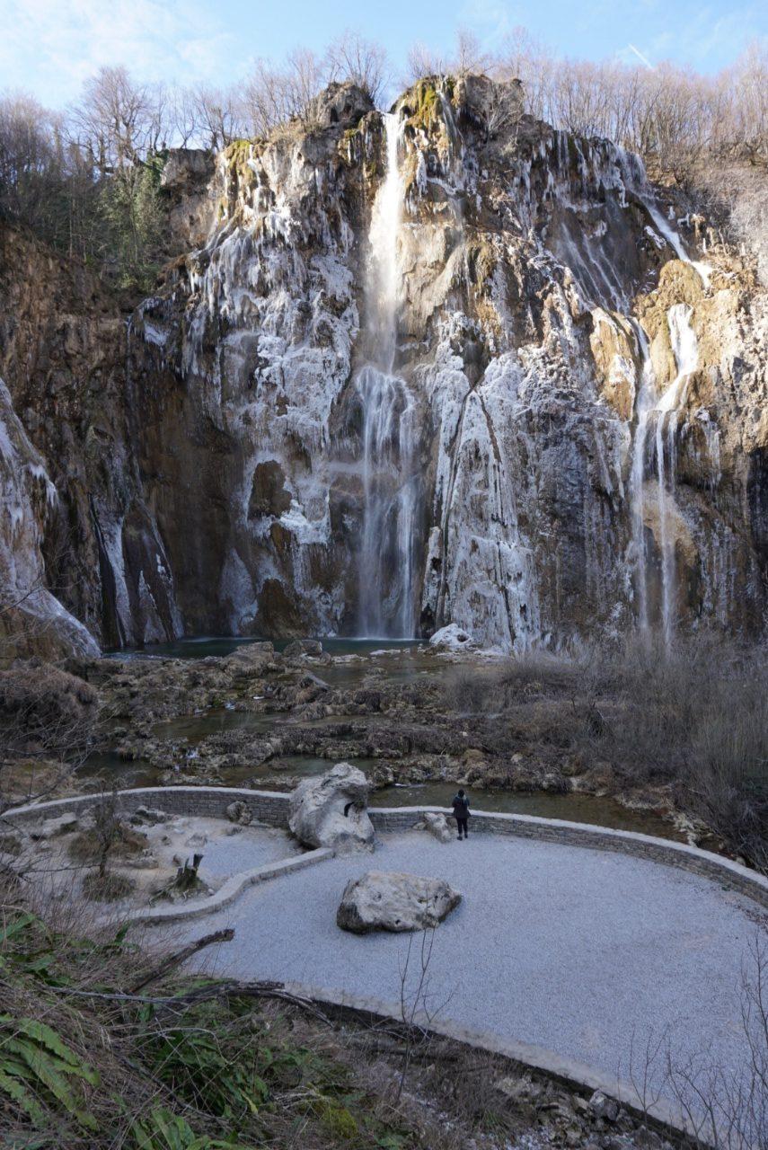 Großer Wasserfall Plitvicer Seen im Winter