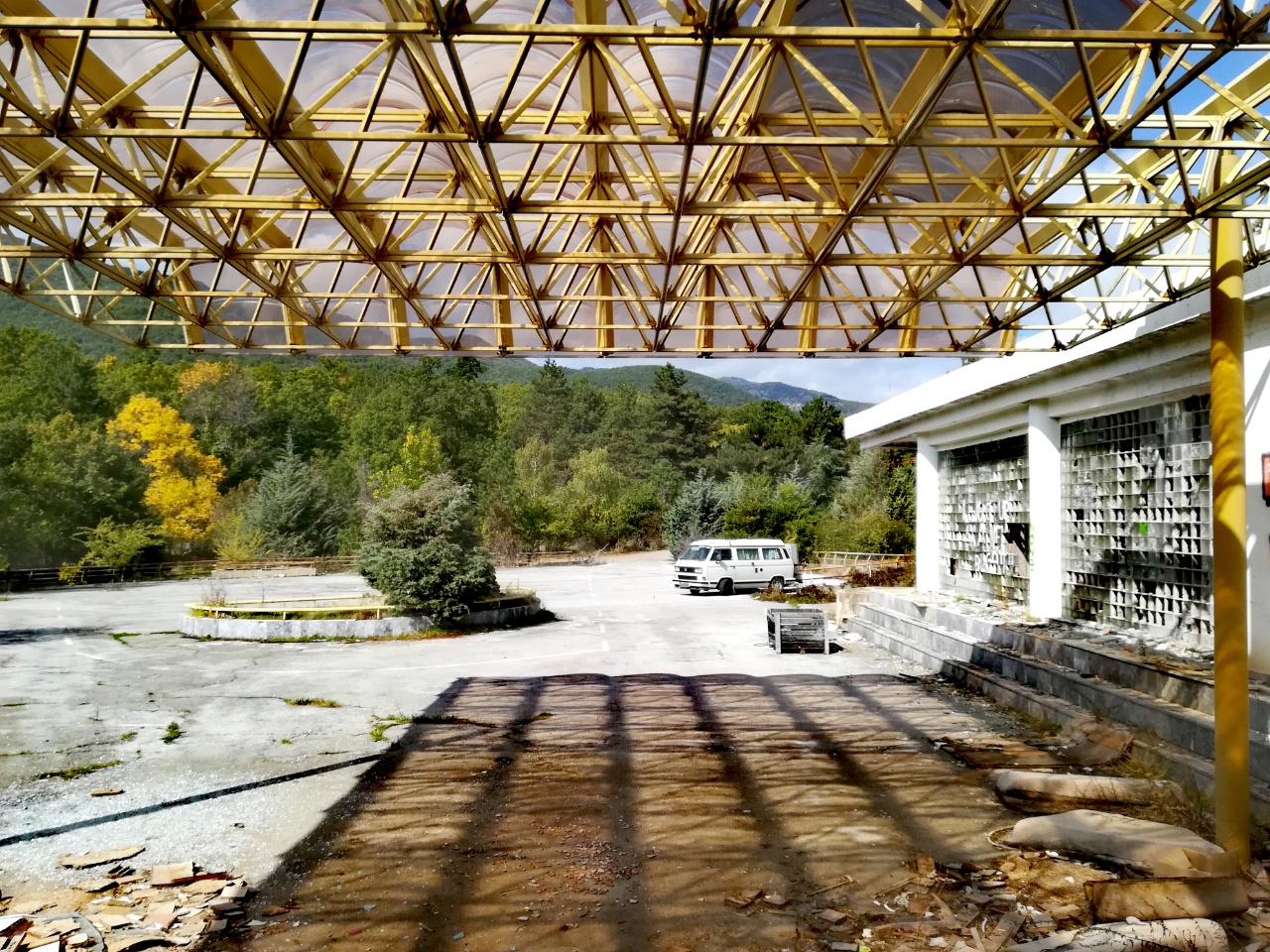 Lost Place Nordmazedonien – Hotel Europa am Prespasee