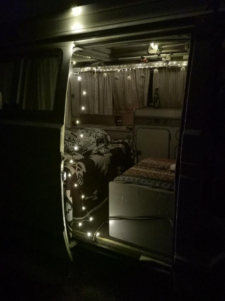 Lichterketten im Van Deko
