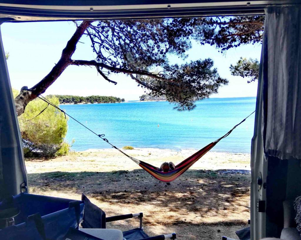 Kroatien Hängematte Camping VW Bulli