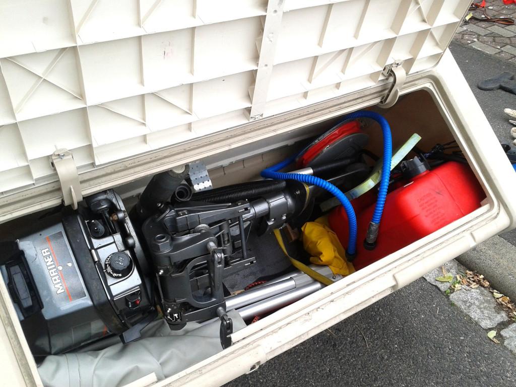 Außenborder 6 PS in der Box Fahrradträger