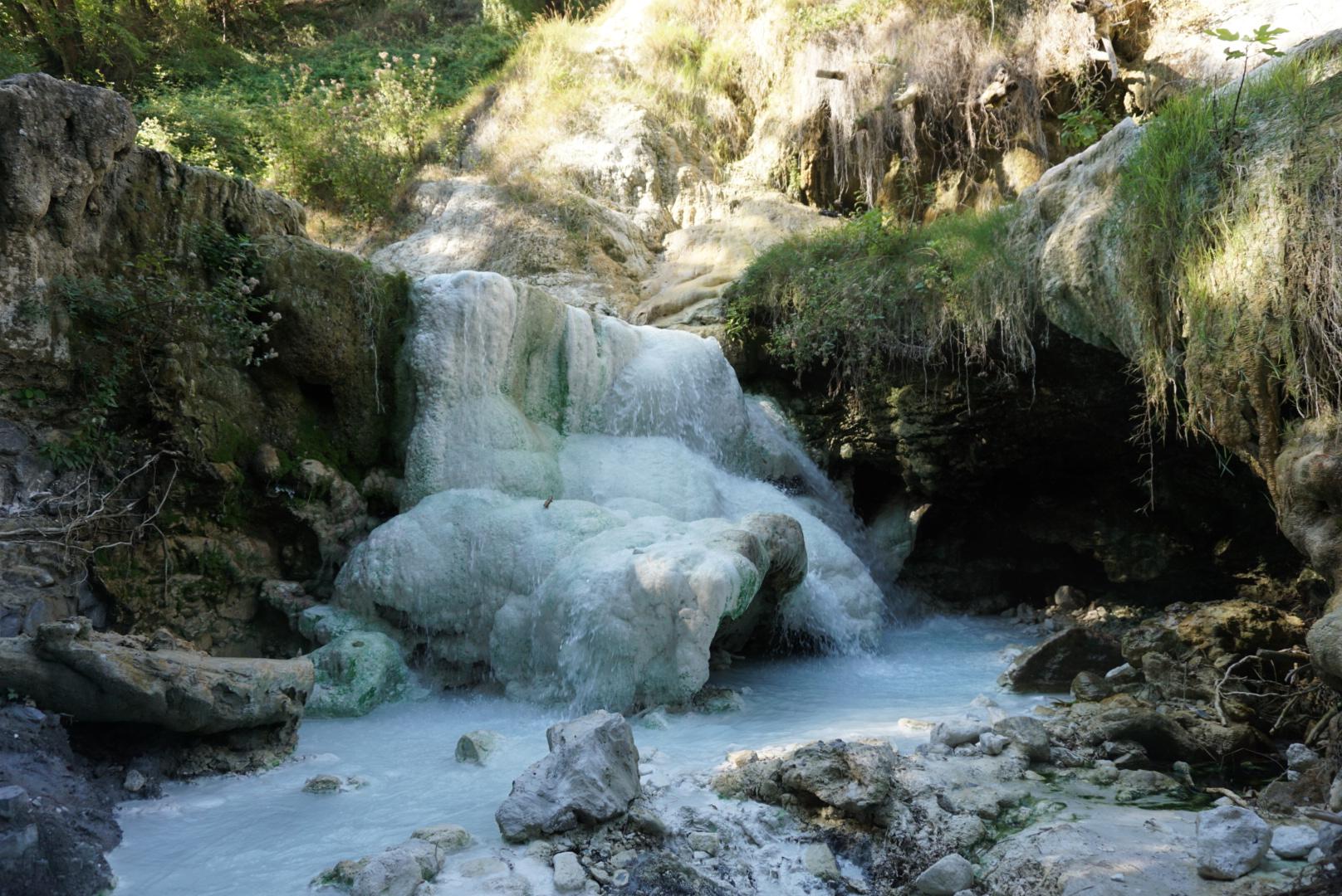 Die schönste Thermalquelle in der Toskana – San Filippo