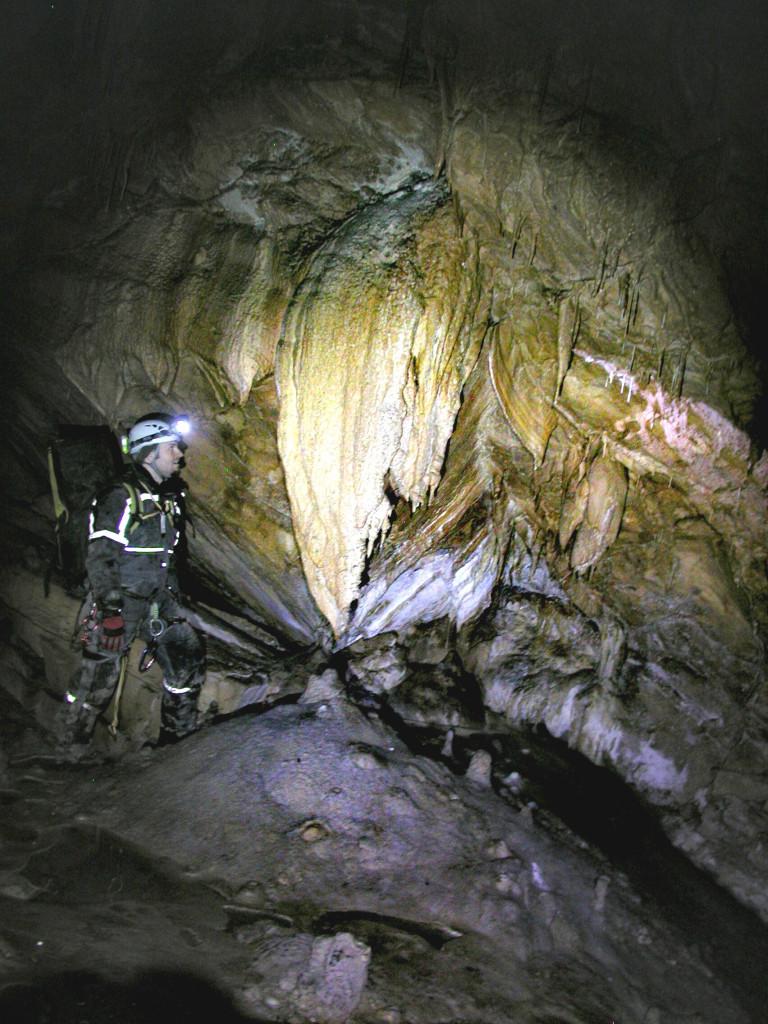 Höhle unter der Erde Befahrung