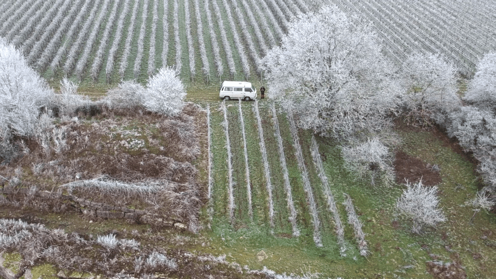 Winter VW T3 Weinberge Würzburg Eis